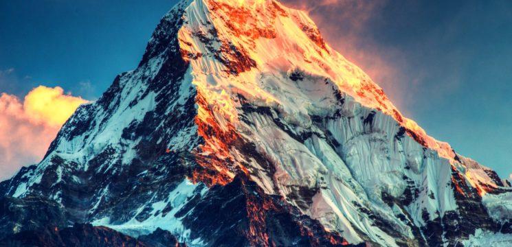 Everest et Mariannes